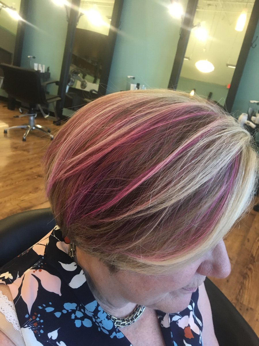 #pinkhairdontcare You only live once, why not go for it?! #getfresh #freshsalon #vividcolors #pastels #Iamgoldwell #color<br>http://pic.twitter.com/V29CSetyF7