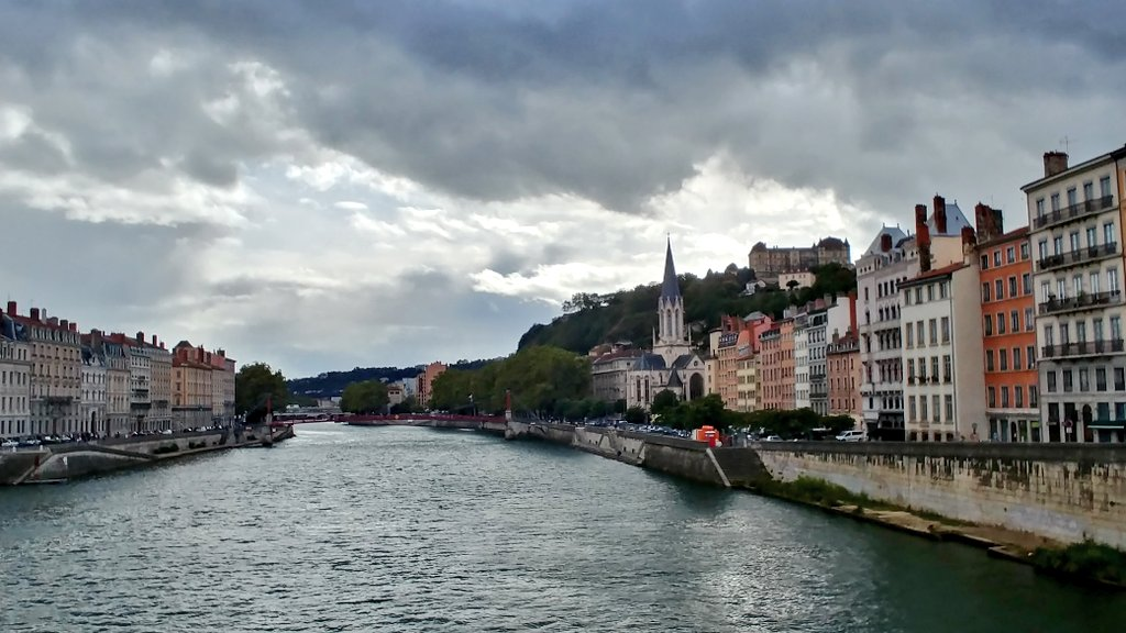 What is your #SundayWalk? Love to see this view when I go out in #Lyon! #travel to #France<br>http://pic.twitter.com/pDMJxcztxa