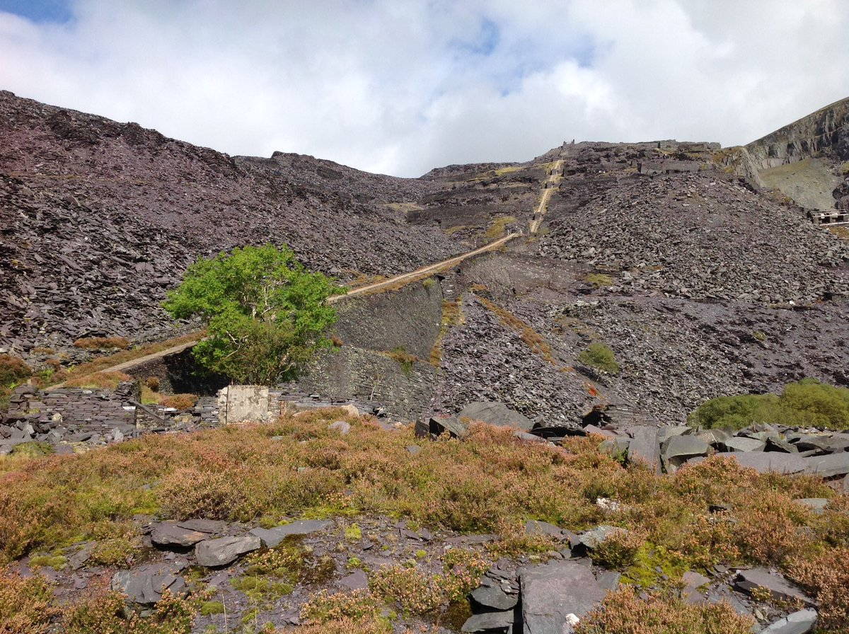 The #Dinorwic Quarry Complex where men moved mountains for #slate #heritage #geology #Wales #geodiversity #Snowdonia<br>http://pic.twitter.com/VSwNRH6Daz