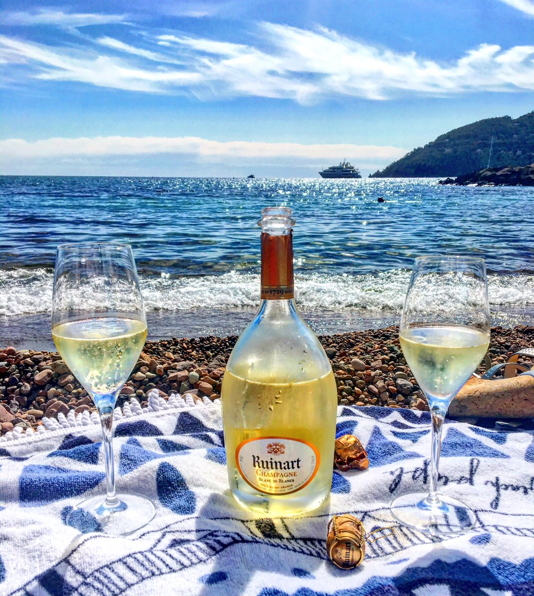 Days like these   #champagne #travel #wine #frenchriviera #cannes <br>http://pic.twitter.com/rOC9b53Voe