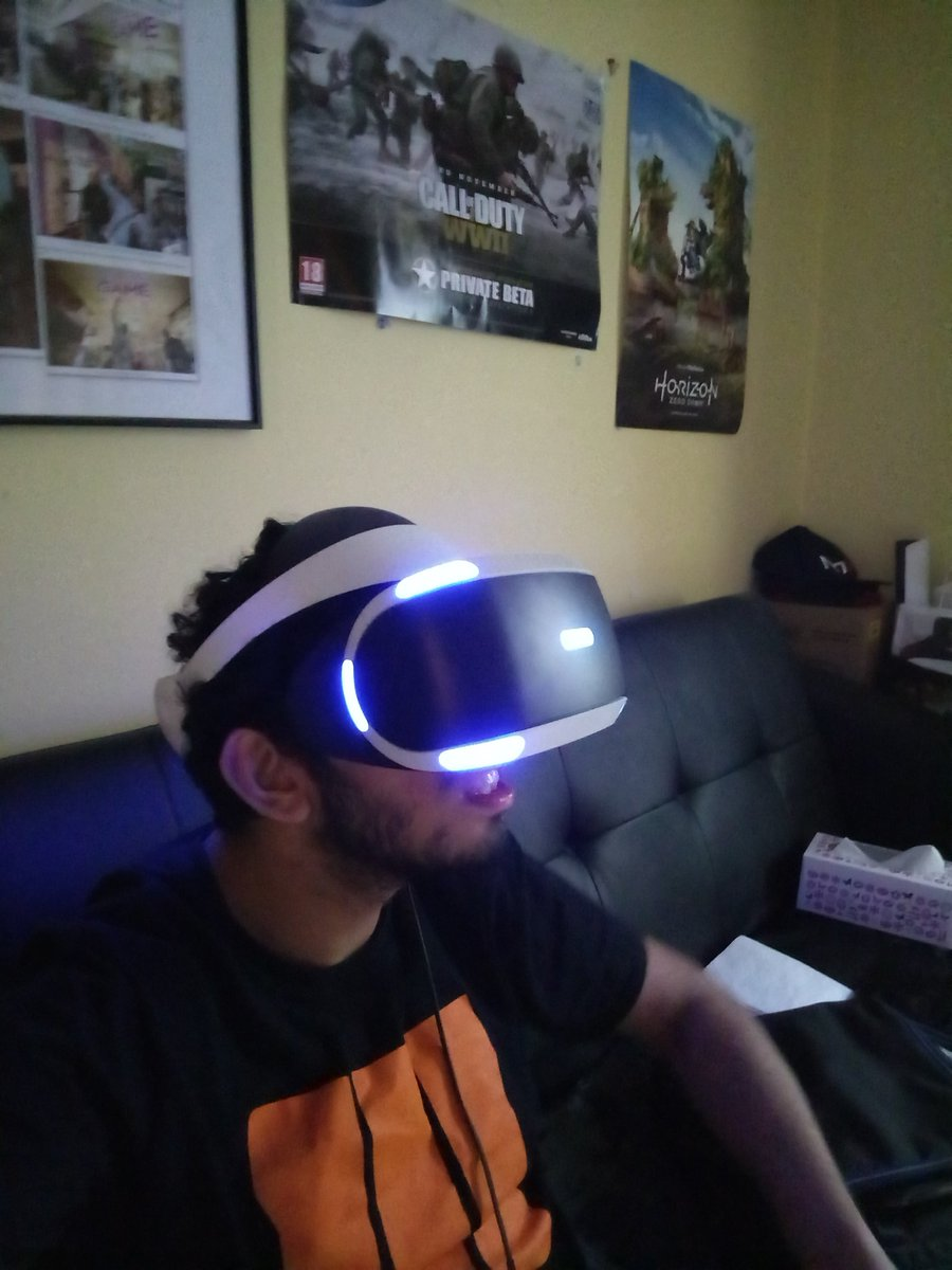 Yes #PlayStationVR #sonyVR #SONY4K #HDR #follow epic gamers<br>http://pic.twitter.com/rRfbwH9RrB