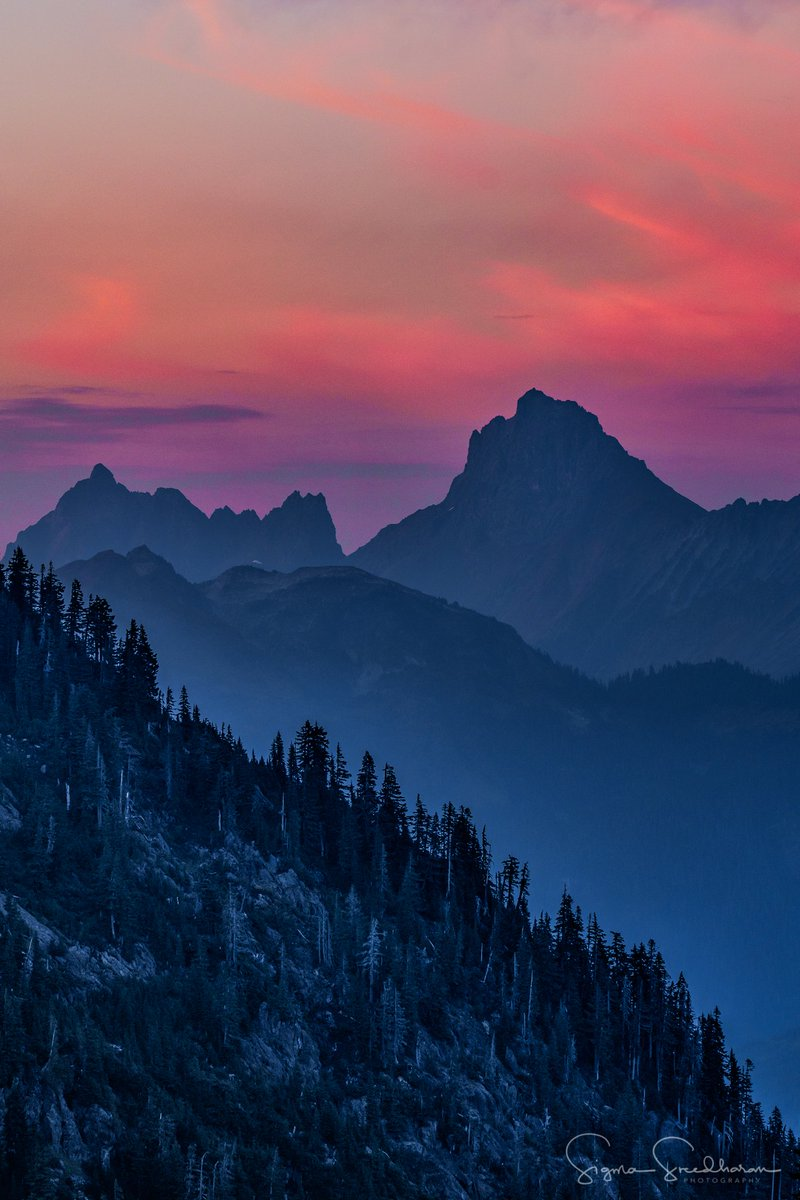 Smoky #Sunset views from #ArtistPoint in the #MountBaker area last night... #PNW #PacificNorthwest #wawx #wildfires<br>http://pic.twitter.com/ccbD1xpIh2
