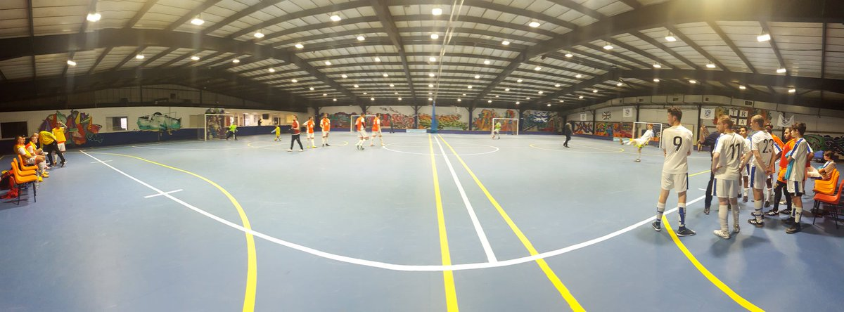 Reffed my first games in probably 4 years. Every player or coach should do courses &amp; try to #referee too #Futsal #Ref #FutsalFamily<br>http://pic.twitter.com/3g78PEY6HR