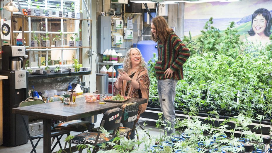 Why Hollywood&#39;s Marijuana Portrayals Are Out of Step With the Times     http://www. hollywoodreporter.com/news/why-holly woods-marijuana-portrayals-are-step-times-guest-column-1039488 &nbsp; …  #MME #marijuana #cannabis #medicalmarijuana <br>http://pic.twitter.com/2WibTJzbfh