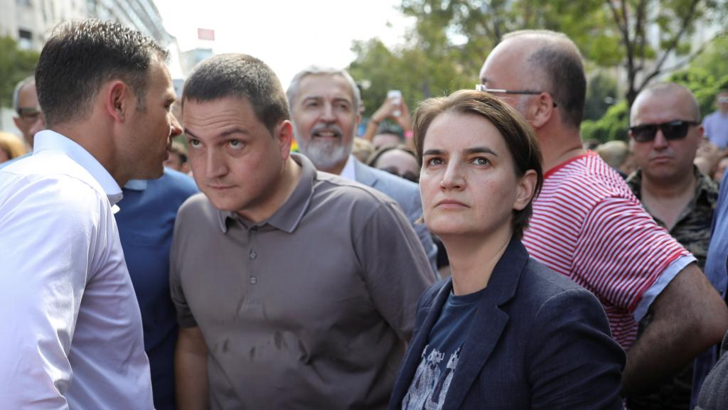 Lésbica assumida, premiê sérvia participa da Parada Gay de Belgrado https://t.co/I2ziUToTZN