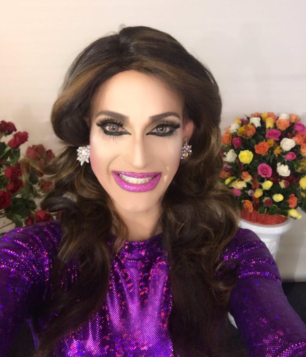 Last night @ #festivallatino in Lima , Peru . Love you miss amores honoring Nubeluz tv show !#blessed #latinamerica #cucu #nubeluz<br>http://pic.twitter.com/PSVFdugUEx