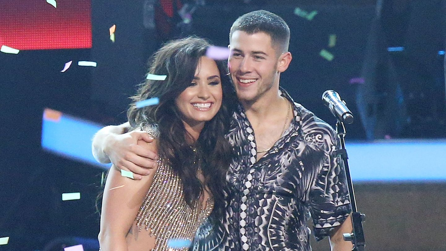 Demi Lovato s Birthday Note To Absolute Best Friend Nick Jonas Is Super Sweet