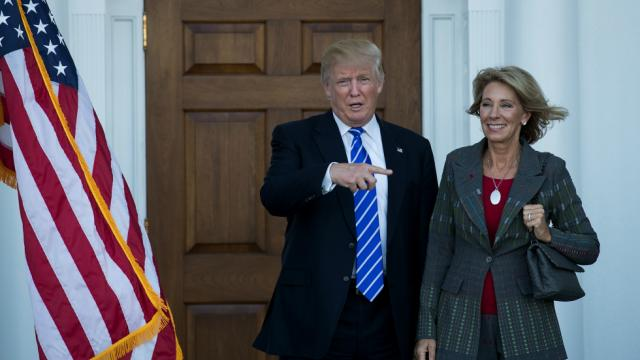 DeVos's Education Dept. cancels deal with consumer bureau to fight student loan fraud https://t.co/3A8YZnCpwA https://t.co/Xbis6bO3A7