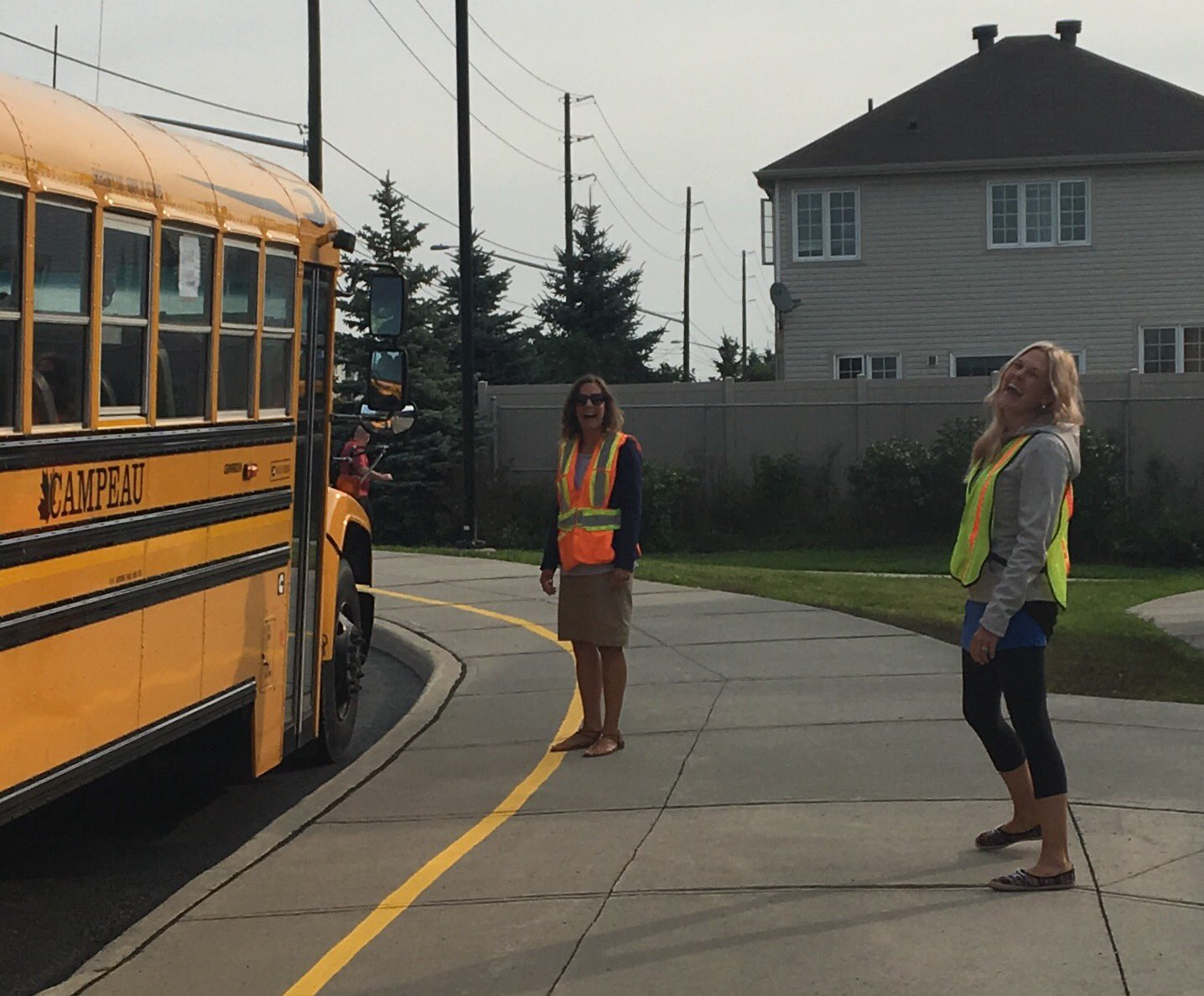@StCeciliaOCSB students were greeted by these smiling faces, this morning! #ocsbFirstDay #sce https://t.co/tGMYLSW5jj