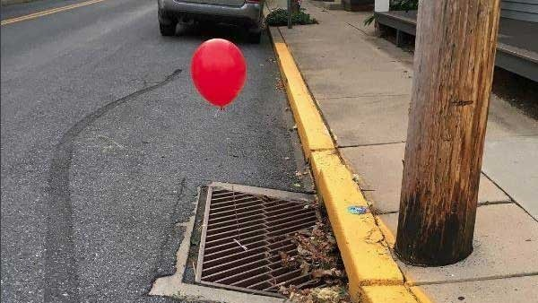 Police 'terrified' by red 'It' balloons tied to sewer grates https://t.co/mGzbNEYczO