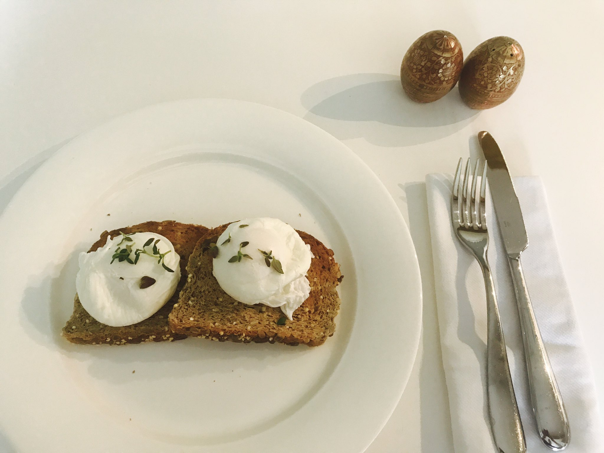 In case y'all were wondering - my poached eggs bring all the boys to the yard... https://t.co/oMjxw7h6sY