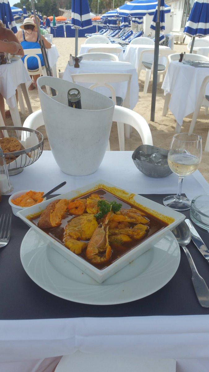 Bouillabaisse at Tetou Plage? Don&#39;t mind if I do! @Rick_Stein #golfejuan #tetou #bouillabaisse <br>http://pic.twitter.com/bumpwByh5H