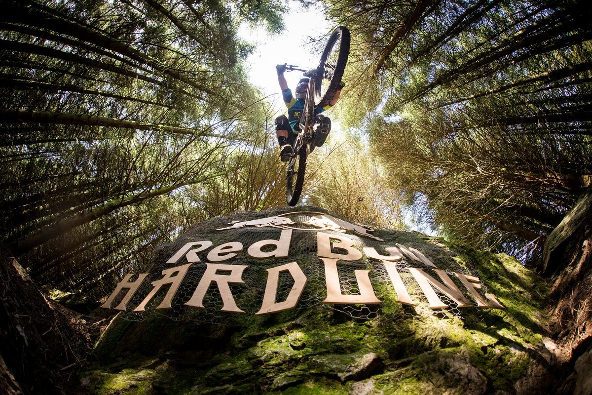 The #RedBullHardline2017 riders have been anounced! View the list here:  https:// buff.ly/2wHIh6i  &nbsp;  <br>http://pic.twitter.com/ea7ACrpebY