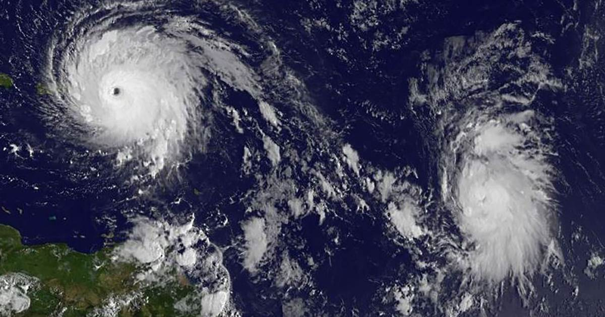 hurricanes tropical cyclone and hurricane camille Typical tropical cyclone origins and track by month hurricane strike percentages estimated return period in years for hurricanes passing within 50 the national hurricane center (rsmc miami, fl), is responsible for the atlantic basin west of 30°w if a disturbance intensifies into a tropical storm the.