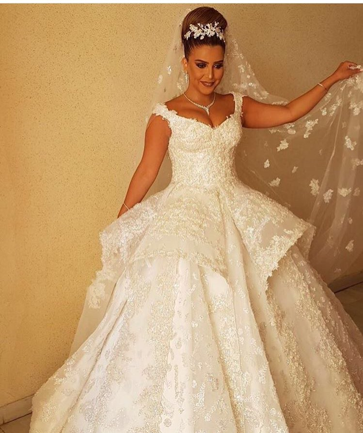 شارك معانا بفستان خطوبة او زفاف على ذوقك  - صفحة 3 DJDe-lmXkAE2PcV