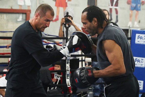 John David Jackson: Sergey Kovalev is a Real Assh*le - He Quit! https://t.co/f5uEw3YrSv #boxing https://t.co/aeSnryq8sH