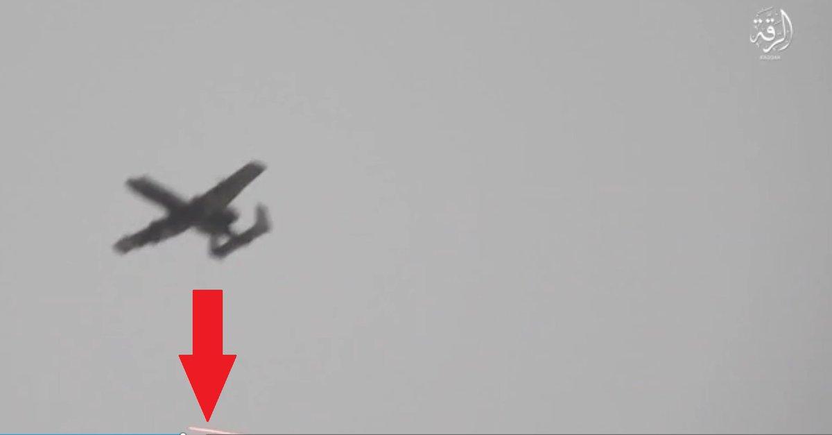 Fairchild-Republic A-10 Thunderbolt II  DJEH3cJW4AAk0yP