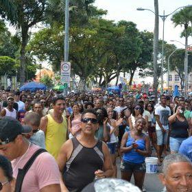 Salvador recebe 16ª Parada do Orgulho LGBT neste domingo; trânsito sofrerá alterações https://t.co/NXfwHQLYVr