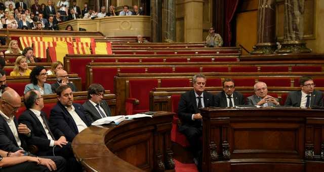 Espagne : la Catalogne va organiser un référendum d'autodétermination https://t.co/TfZLLl4tam