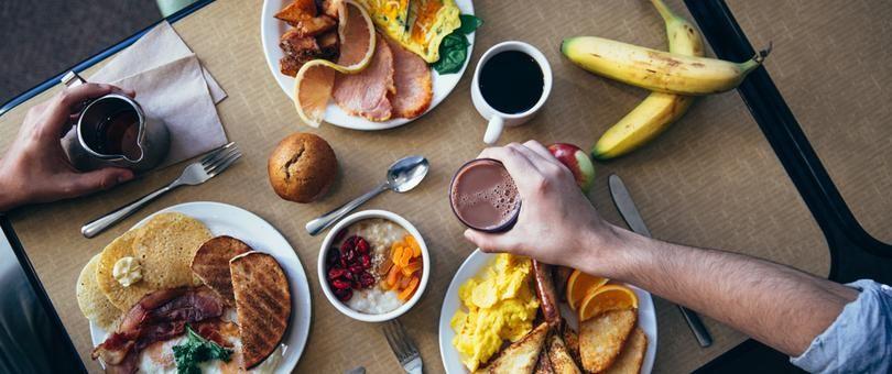 怎么拍摄完美的食物照片? Shopify 为小商家准备的摄影入门教程 // Food Photography 101: How to Take Perfect Pictures of Your Food https://t.co/EpU6qwW66l https://t.co/iz1nePoJsM 1