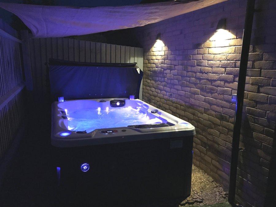 Hot Tub Base (@hottubbase) | Twitter
