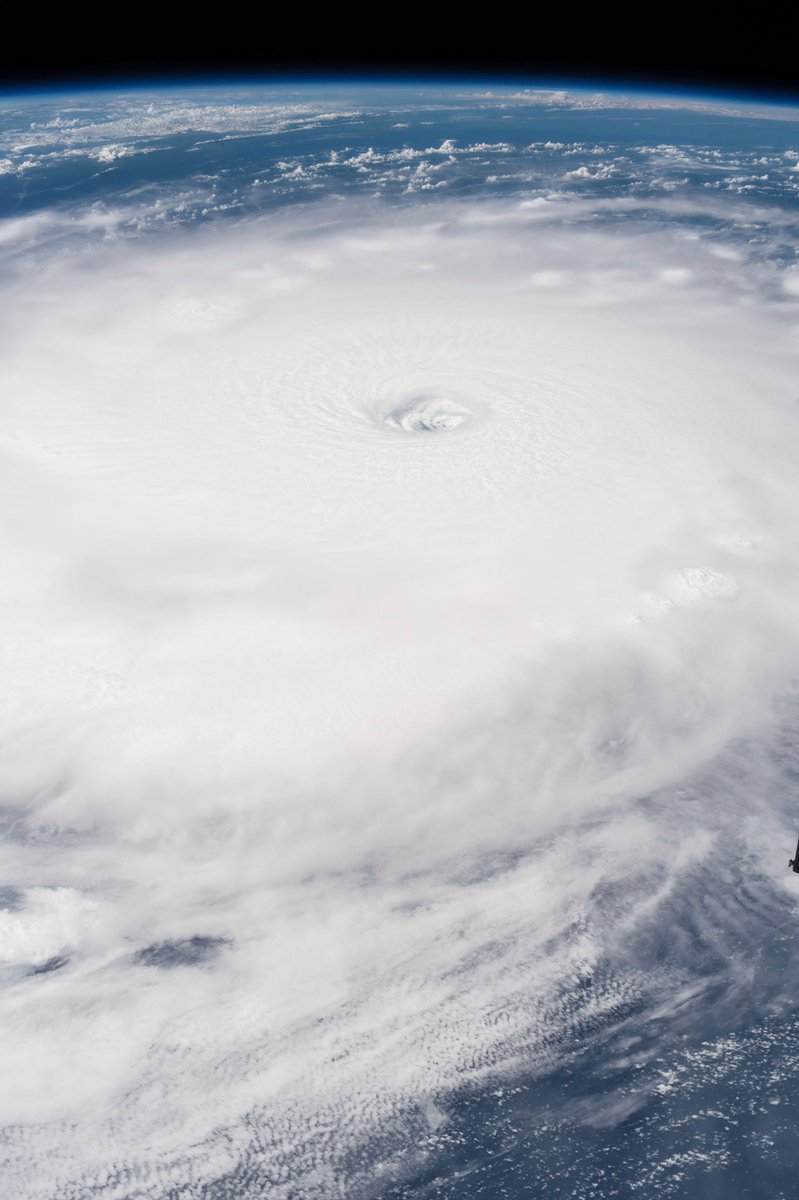 когда фото урагана ирма из космоса дома дышат, самостоятельно