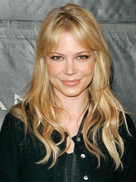 ¿Cuánto mide Michelle Williams? - Real height DJHnTIPXUAAqLkW