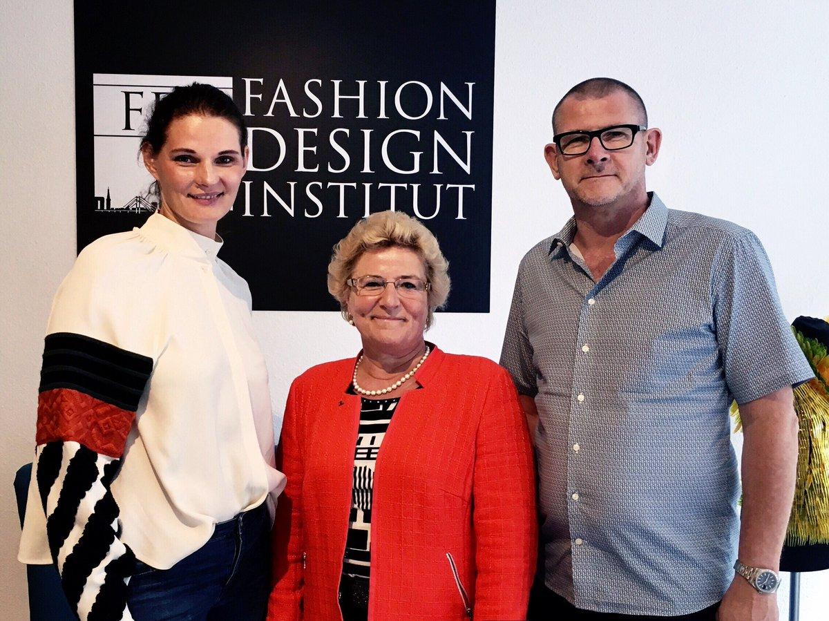Fdi Germany On Twitter Zu Besuch Am Fashion Design Institut Sylvia Pantel Cdu Bundestagsabgeordnete Fur Den Wahlkreis Dusseldorf Sud Sylviapantel Cdu Fdi Https T Co Gdln2q442u
