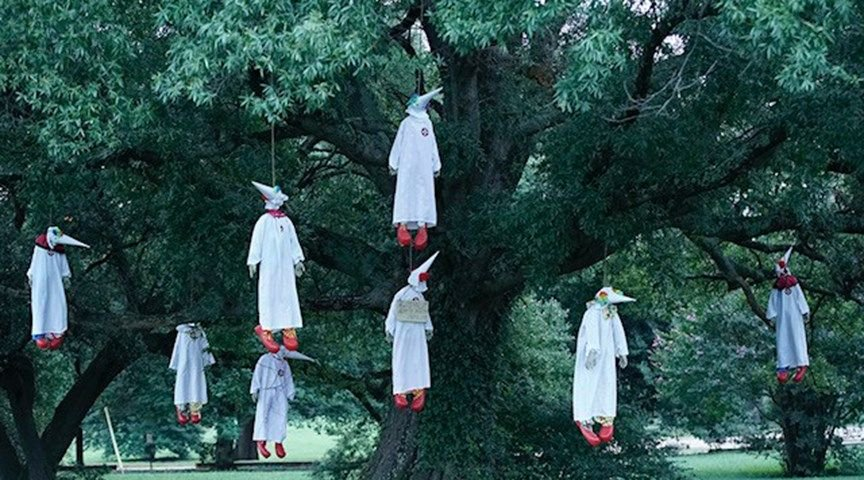 Group hangs 'Ku Klux Klowns' in Virginia park https://t.co/FGqotaSYY2