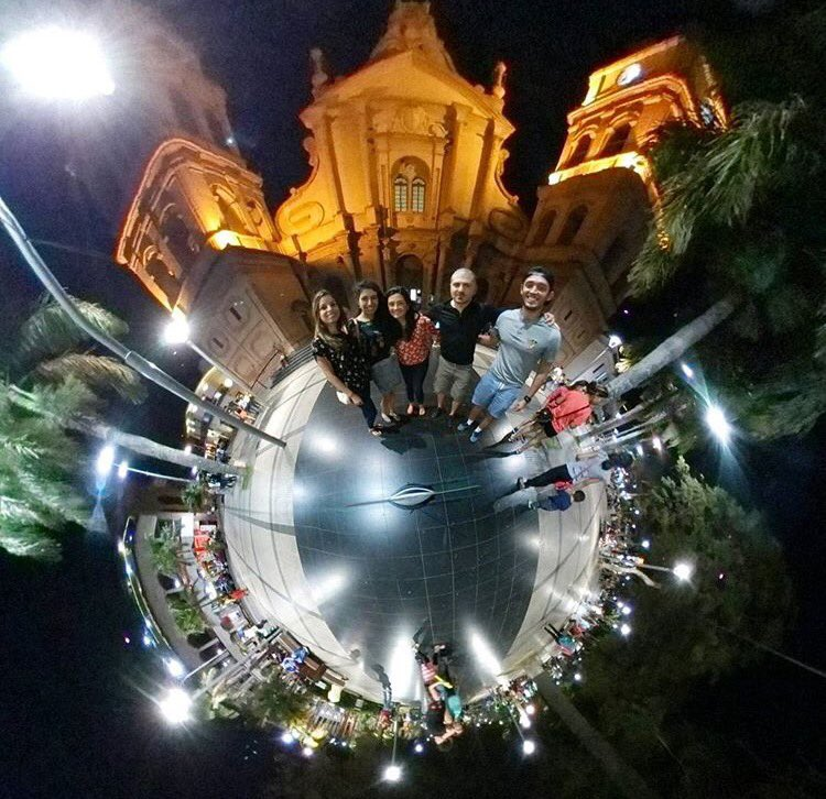 Walking by the cathedral of SCZ, Bolivia with Celeste&#39;s cousins   #TinyPlanetCouple #TinyPlanet #JaviCel #Travel #SantaCruz #Bolivia<br>http://pic.twitter.com/AacemQduYO