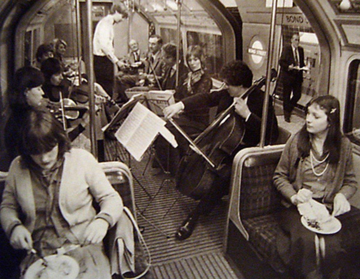 DJJ gK2XoAAf9d9 - Jubilee Line 40th Anniversary