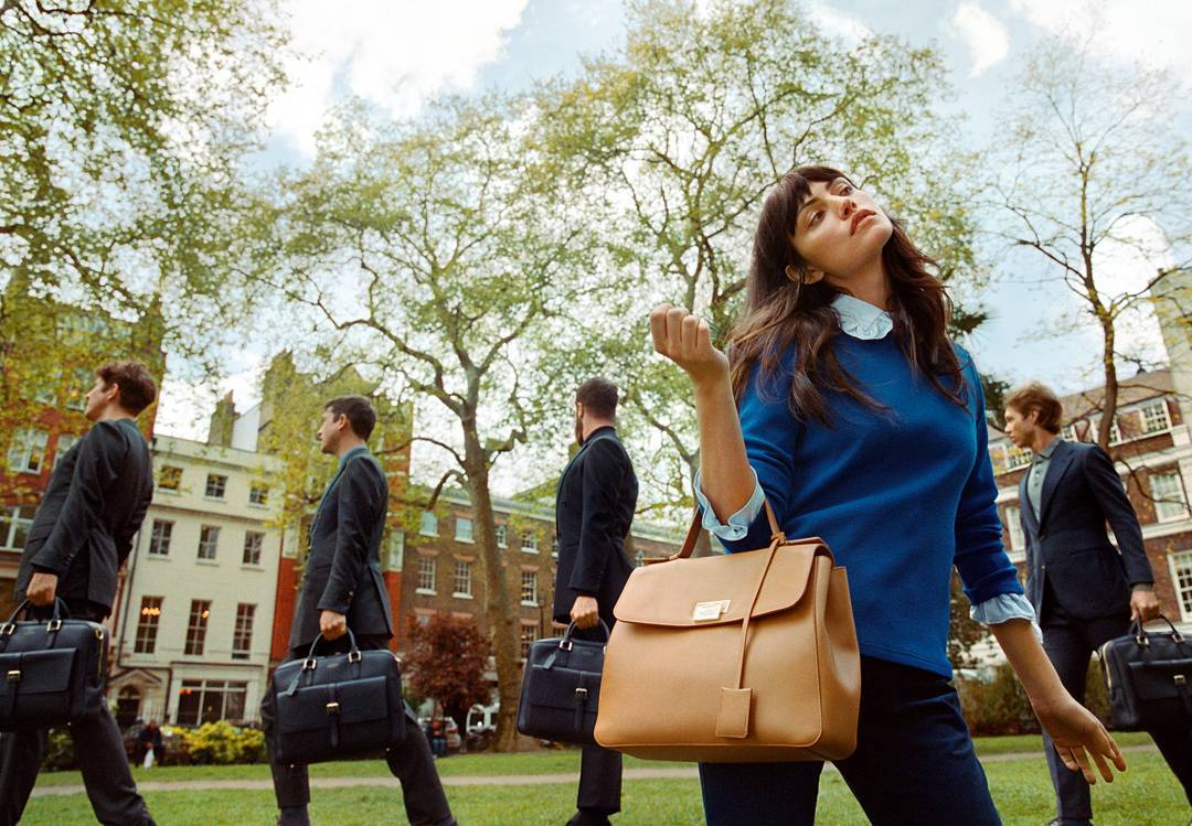 7275ebd123c Posing for 2017 @Smythson campaign 'Journey to the Wild Side', wore the Grosvenor  Top Handle Bag (€1,295) in the shade Imperial Yellow.pic.twitter.com/ ...