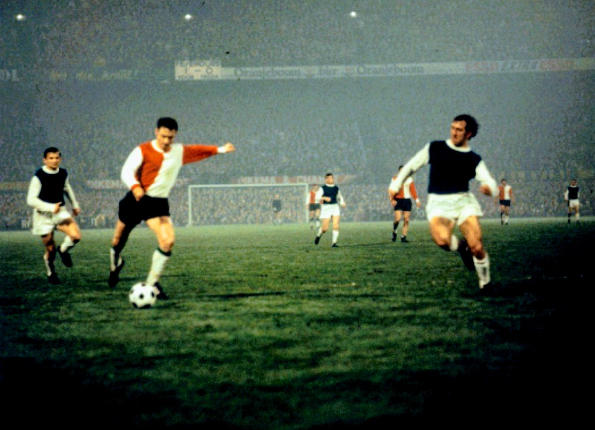 "MotherSoccer on Twitter: ""Feyenoord v Legia Warsaw (April 1970 ..."