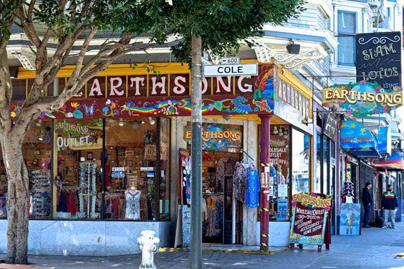 "Out of Office Travel Blog в Twitter: ""Is San Francisco's Haight Ashbury on  your bucket list? via @sheriannekay #Travel #VisitCA  https://t.co/oTGsGhyIdn https://t.co/h8P5rgHbiN"""
