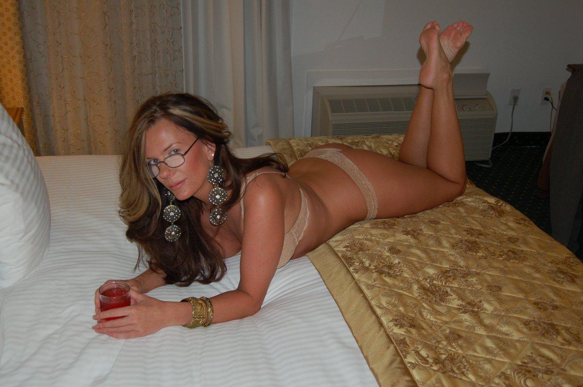 Amateur photo sharing, cameron diaz mooning naked