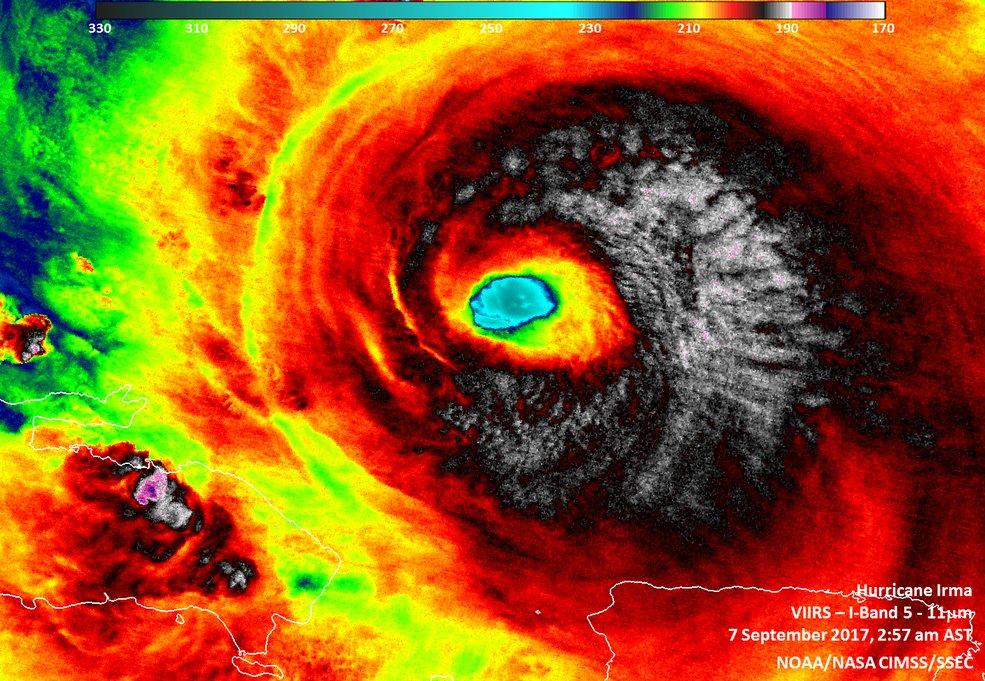 Impressionanti foto dallo Spazio dell'Uragano IRMA | NASA Instagram