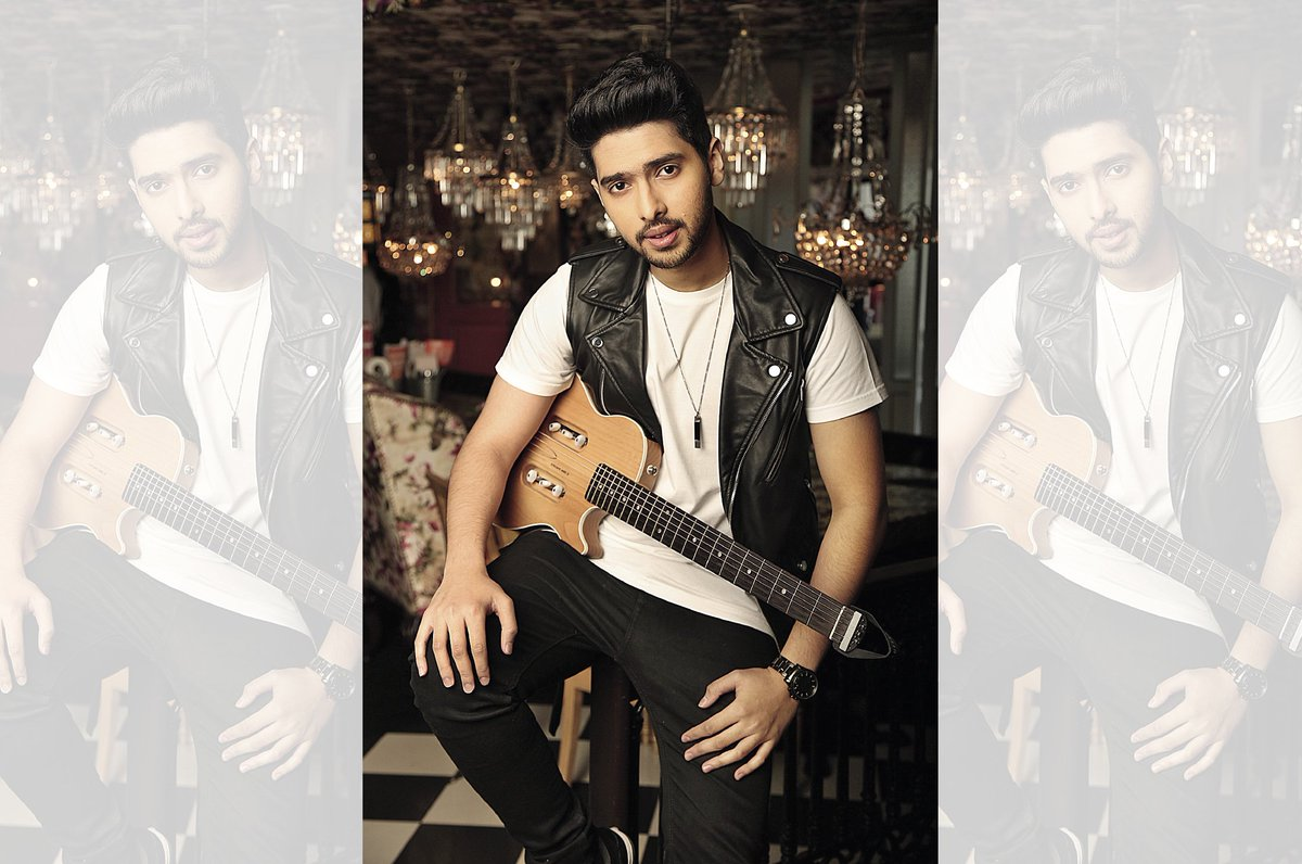 Guess who we have for our #Brunch interaction tomorrow? Yes it's ! Follow  & ask your Qs using WithArmaan Yay! #BrunchWithArmaan