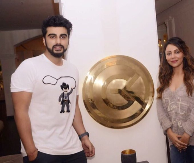 Your sense of humour deserves a big discount from #gaurikhandesigns. Keep spreading the smiles @arjunk26 https://t.co/GIOiLItLS7