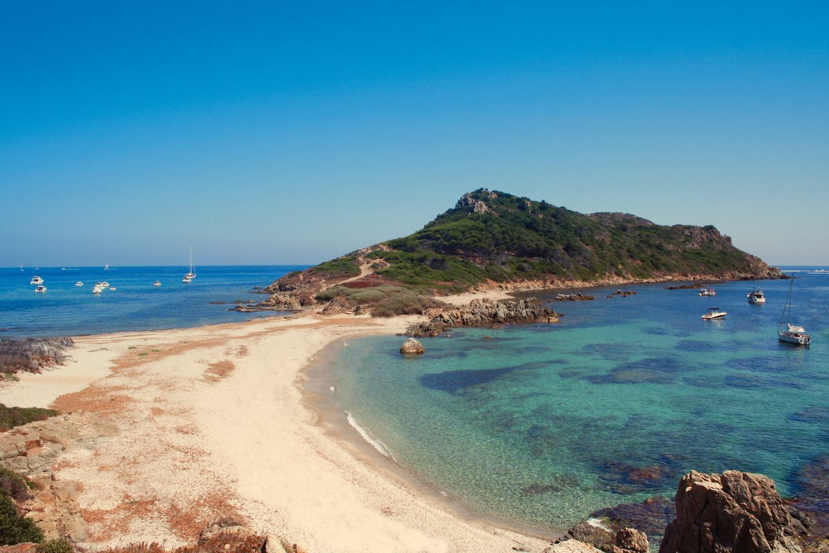 This week-end, we will be in live from @golfesttropez to make you live the visit of @sainte_maxime and the hinterland! #FrenchMerveilles <br>http://pic.twitter.com/mPe4BNL1ur