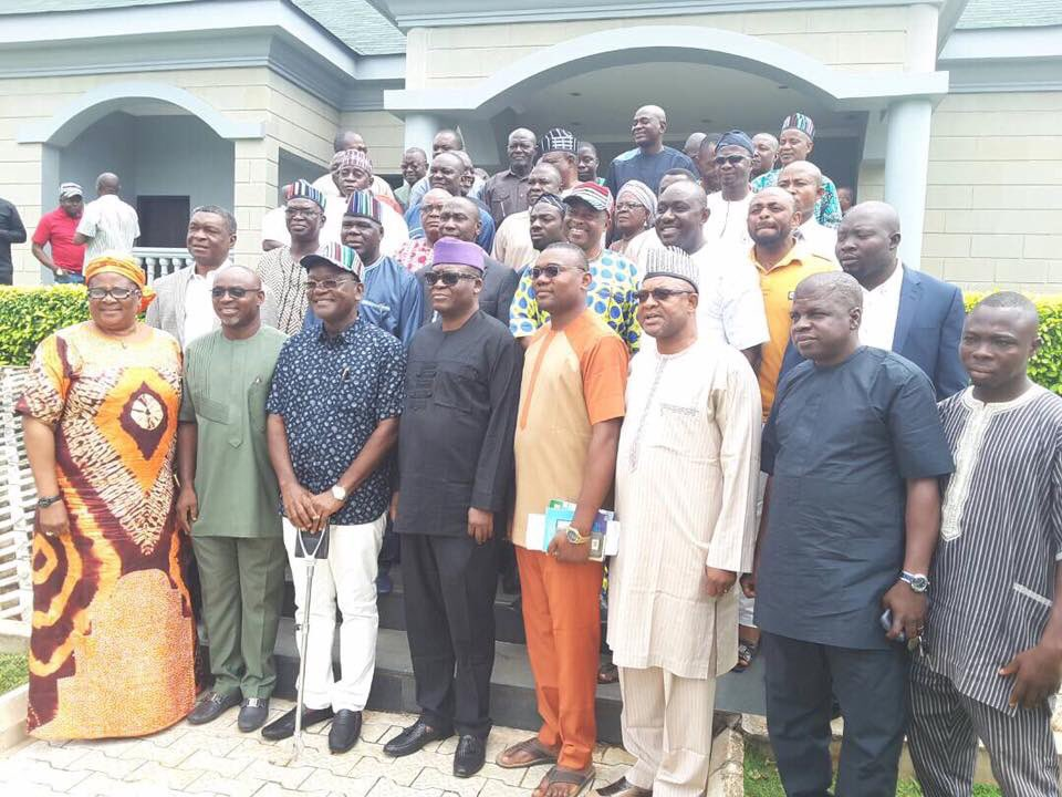 Leaders from the Peoples Democratic Party [PDP] on Friday paid sympathy visits to victims of the flood that ravaged the Makurdi area of Benue state.
