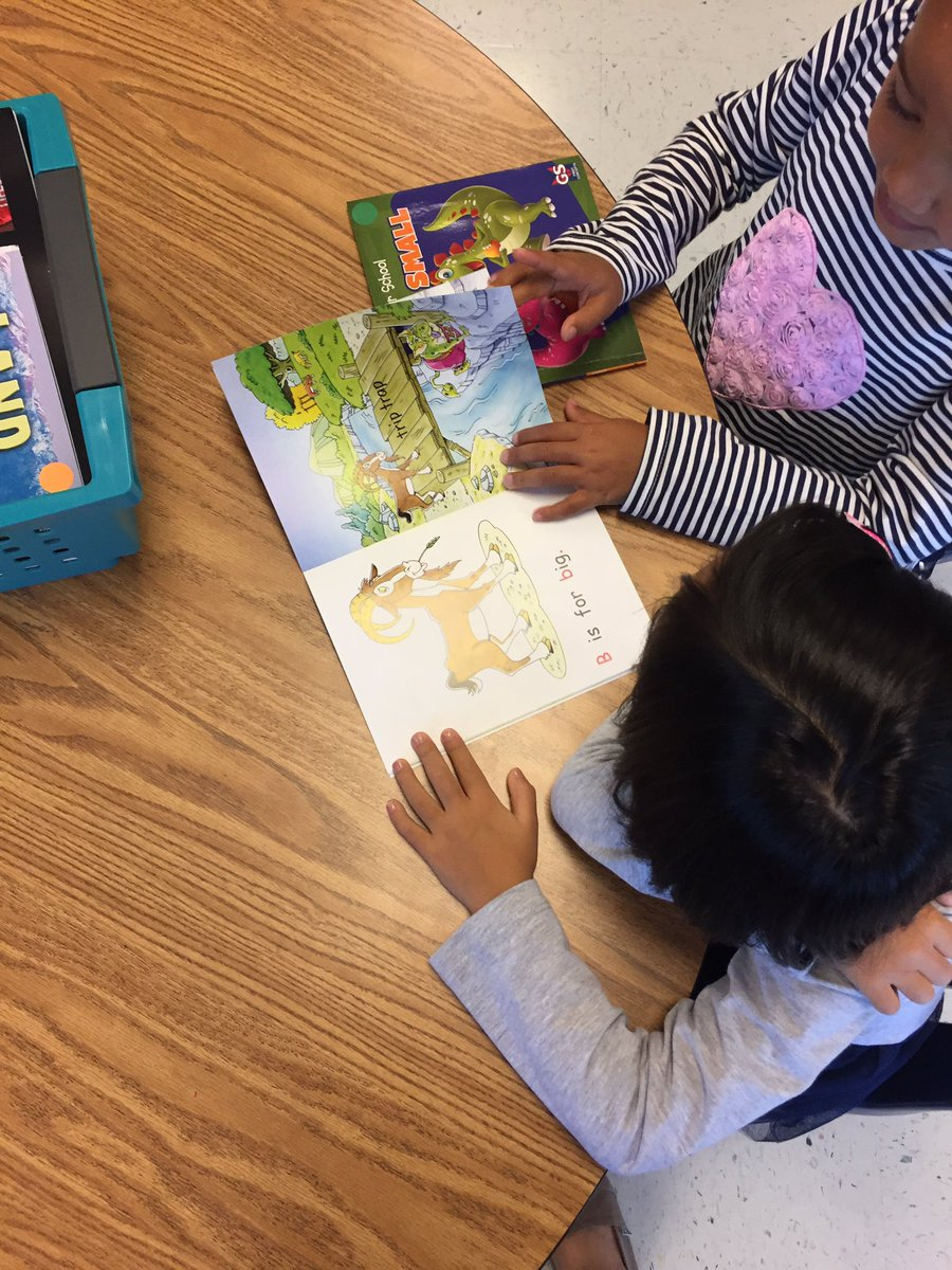 Readers look, think, and read during reading workshop! Partner reading is so fun! <a target='_blank' href='http://search.twitter.com/search?q=HFBtweets'><a target='_blank' href='https://twitter.com/hashtag/HFBtweets?src=hash'>#HFBtweets</a></a> <a target='_blank' href='https://t.co/OWO5QW81hM'>https://t.co/OWO5QW81hM</a>