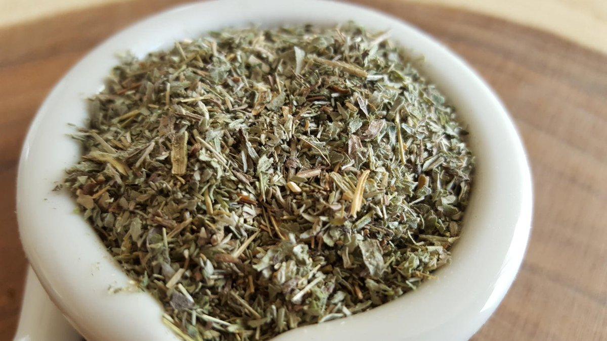 Artemisia absinthium l