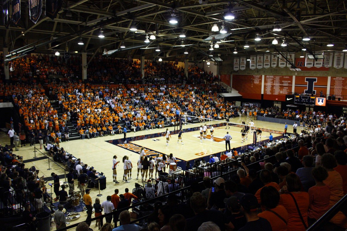 Tonight's attendance is 4,152, officially our first sellout of the 2017 season!  THANK YOU #ILLINI NATION!