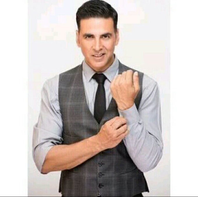 Happy birthday akshay kumar my favirat hero