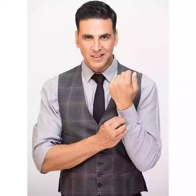 Happy Birthday to my Favourite Akshay Kumar sir. You bring so much Joy to my Heart!