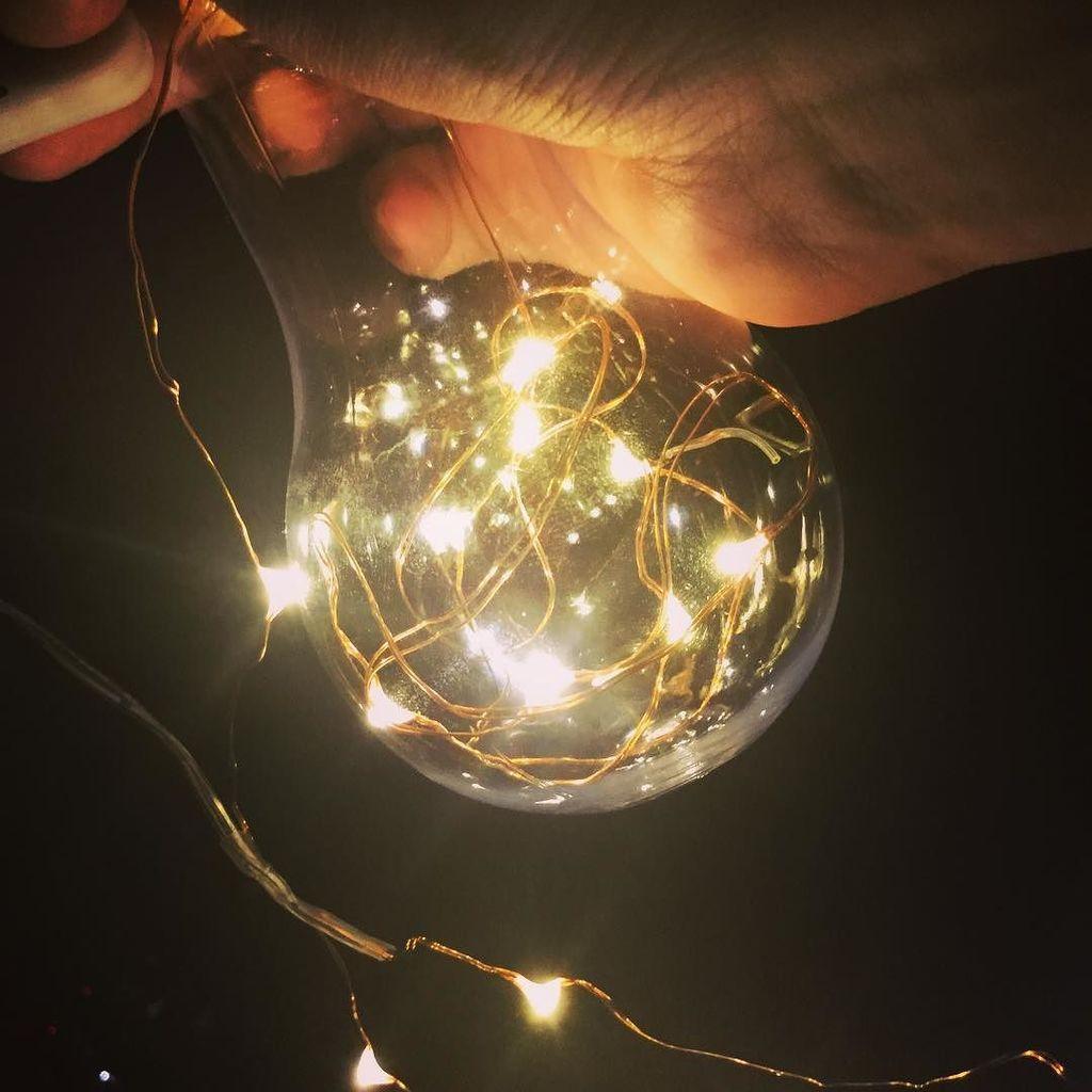 test ツイッターメディア - 電球ボトルを買ってみた。 電飾とかと使ったり色々撮影で使えそうじゃない?  #実はダイソーのプラスチック製 #100均 #ダイソー #プラスチック製 #電飾 #電球ボトル #写真で伝えたい私の世界 #photo #スマホ写真 https://t.co/wuI7yjHRIL https://t.co/FnIqyQtdZ4