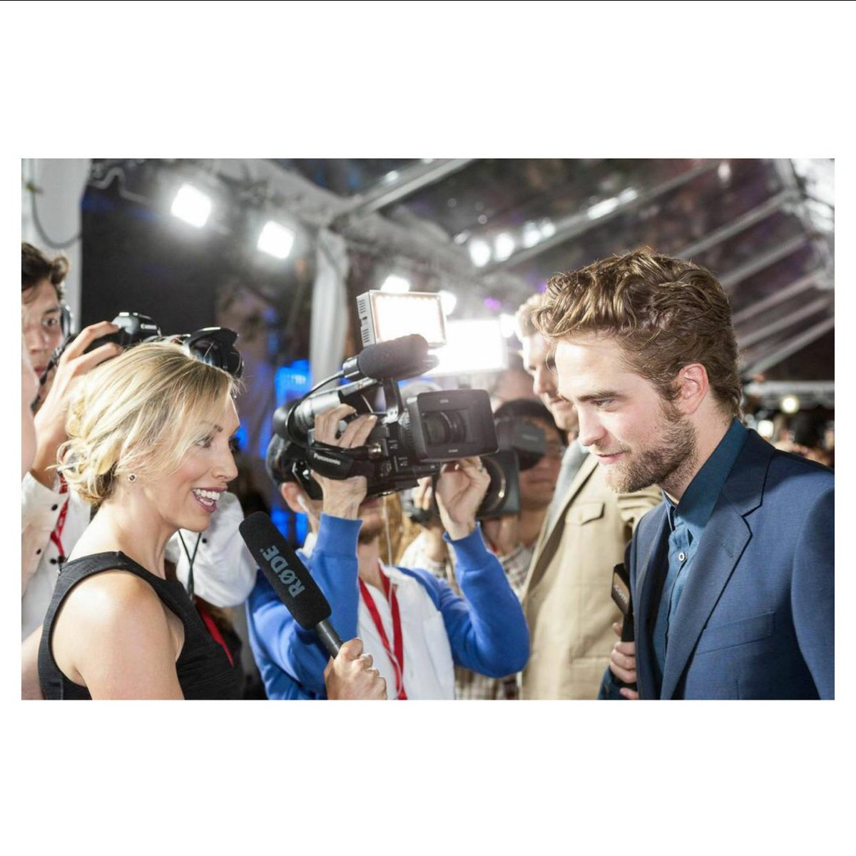 A fun red carpet memory from 2013. Interviewing Robert Pattinson for @eOnefilms #TIFF #EONE https://t.co/7BjBNVsK21
