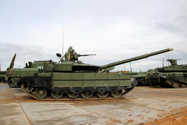 The T-80s future in the Russian Army - Page 7 DJT0tv5W0AYzaLH