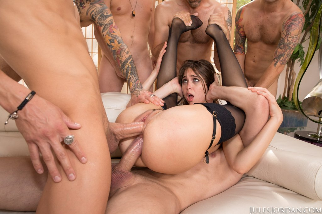 Riley Reid Threesome Blowjob