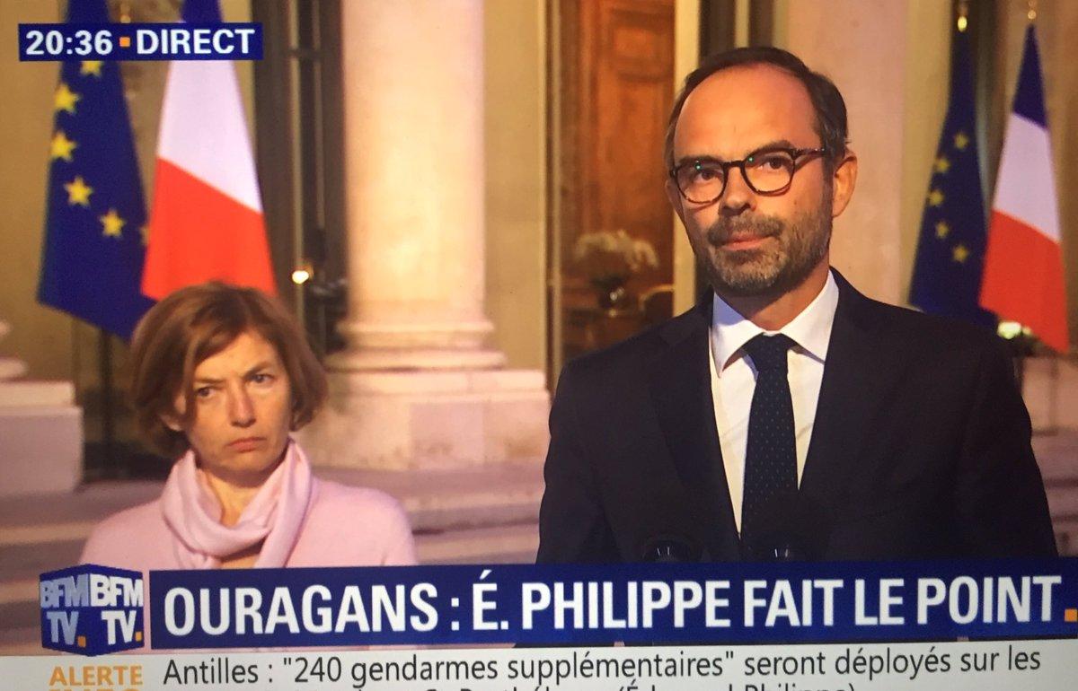 En direct, le Premier ministre Edouard Philippe dit 'St Barth', et non pas 'St Barthélémy'.   #Irma2017 #Jose2017 #Hurricane